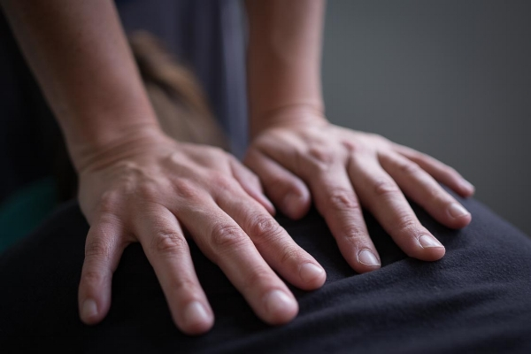 Shiatsu acupressure to balance your body.