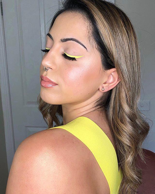 FACE FULL OF FENTY ✨🌻🦋 ——————————————————— EYES / @fentybeauty Banana Blaze #baecae  CHEEKS / @fentybeauty Sinamon, Suede and Starstruck #matchstix  LIPS / @fentybeauty Fenty Glow #glossbomb  BODY / @fentybeauty Trophy Wife #bodylava ——————————————————— MAKEUP MUSE / @ckaq ——————————————————— @sephora @sephoraaus @badgalriri  #melbournemua #melbournemakeupartist #fentybeauty #fentyglossbomb #fentyeyeliner #fentybodylava #featuring_mua #theartistedit #inbeautmag #sephora #sephoraaus #badgalriri #allmodernmakeup #hypnaughtymakeup #makegirlz #makeupfeatures #hairmakeupdiary #underratedmua #makeupartists_worldwide #slave2beauty #makeupslaves #flawlesssdolls @glamazonkw #australianmakeupartist #australianmua #ckxrenee #makeupmuse