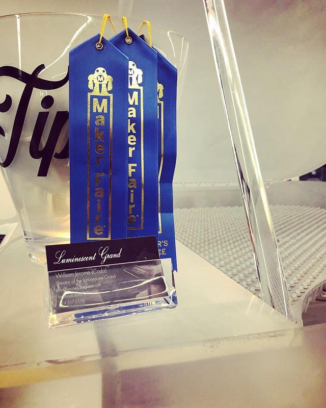 Got awarded 3 editors choice blue ribbons this year! I feel so cool 😎🤓 . . . . . #makerfaire #makerfair2018 #makemagazine #blueribbon #award #piano #arduino #LEDpiano