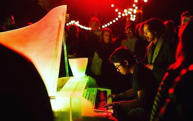 Only one more week till the Flower Piano's Night Garden event at  @sfbotanicalgarden !!! If you haven't gotten tickets yet be sure to get them cause they sell out quick! Link in the bio;) . . . . #piano #lights #pianist #flowers #botaniclegardens #goldengatepark #sanfrancisco #music #events
