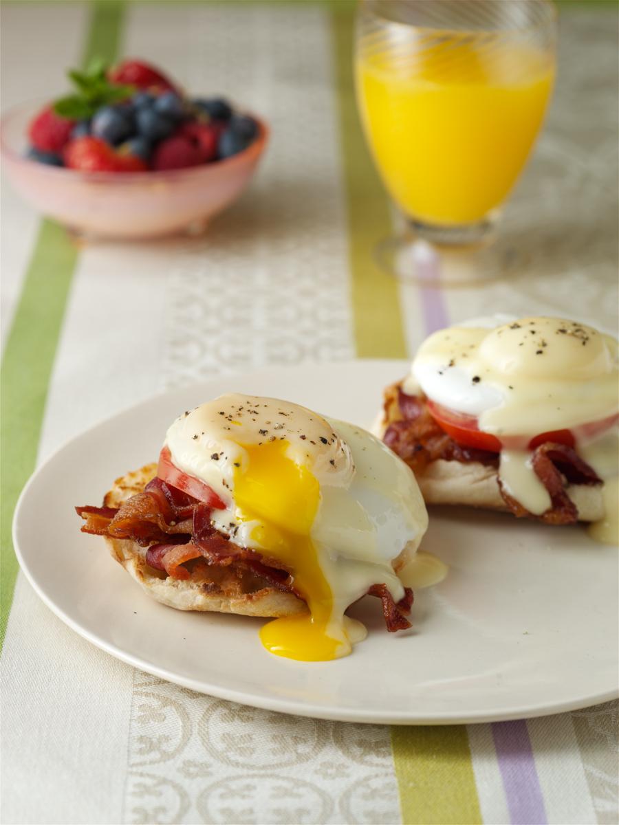 eggs benedict broken yolk b copy.jpg