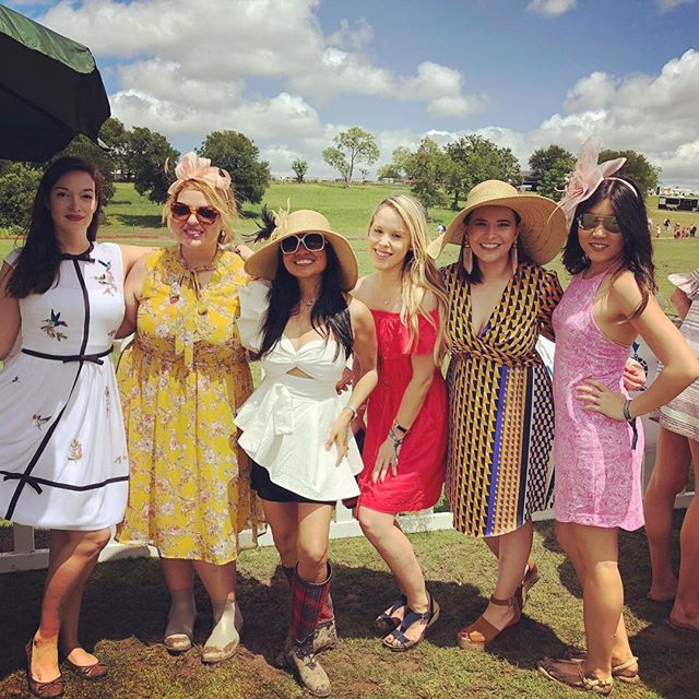 Some of our JAWC members looking cute at the @thevictorycup derby day polo match! #jawc #atxwomen #atxsocial #atxwoman #atxlocal #derbyfashion #derbypolo #austintxlife #austintx