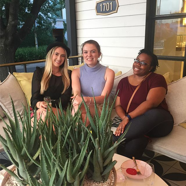 We had a fantastic time at the @kendrascott flagship store for a JAWC happy hour! Everything was amazing 😍#kendrascott #atxclubs #atxwomen #atxlocal