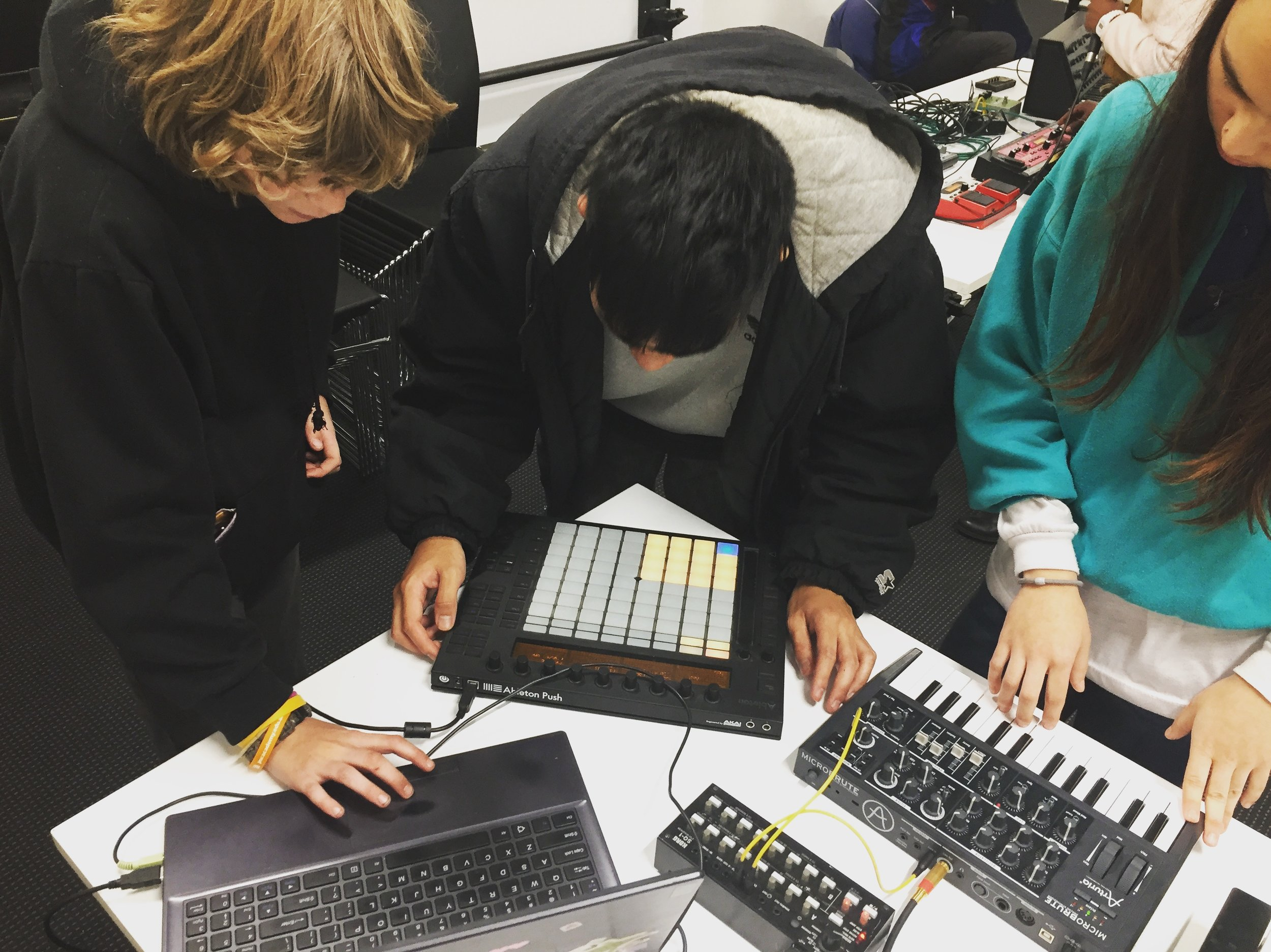 11/5/18: Bridget Chappell: Synthesizers