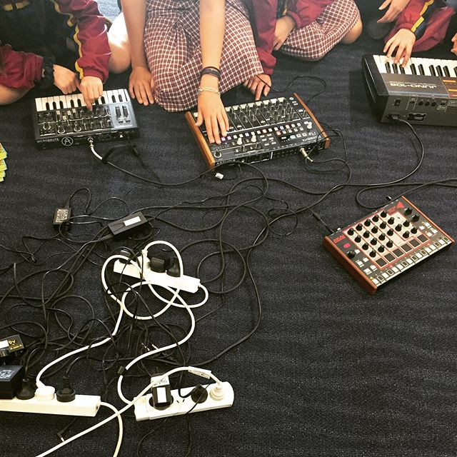 Did you know we run workshops at schools? If you want us to teach one at your school hit us up 🤓🥳 #electronicmusic #soundschool #vcemusic #synthesizers #drummachine