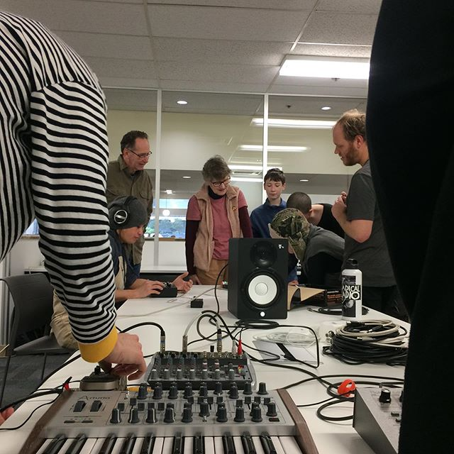 Books and beats...📘🎹🤓🎧This morning we learnt about hardware techno at Coburg Library from @_ninabuchanan_ . Libraries are great for all kinds of learning! This was the launch of a series of 4 workshops, if you wanna book in for the next one about DIY midi controllers, head over to our Facebook page!