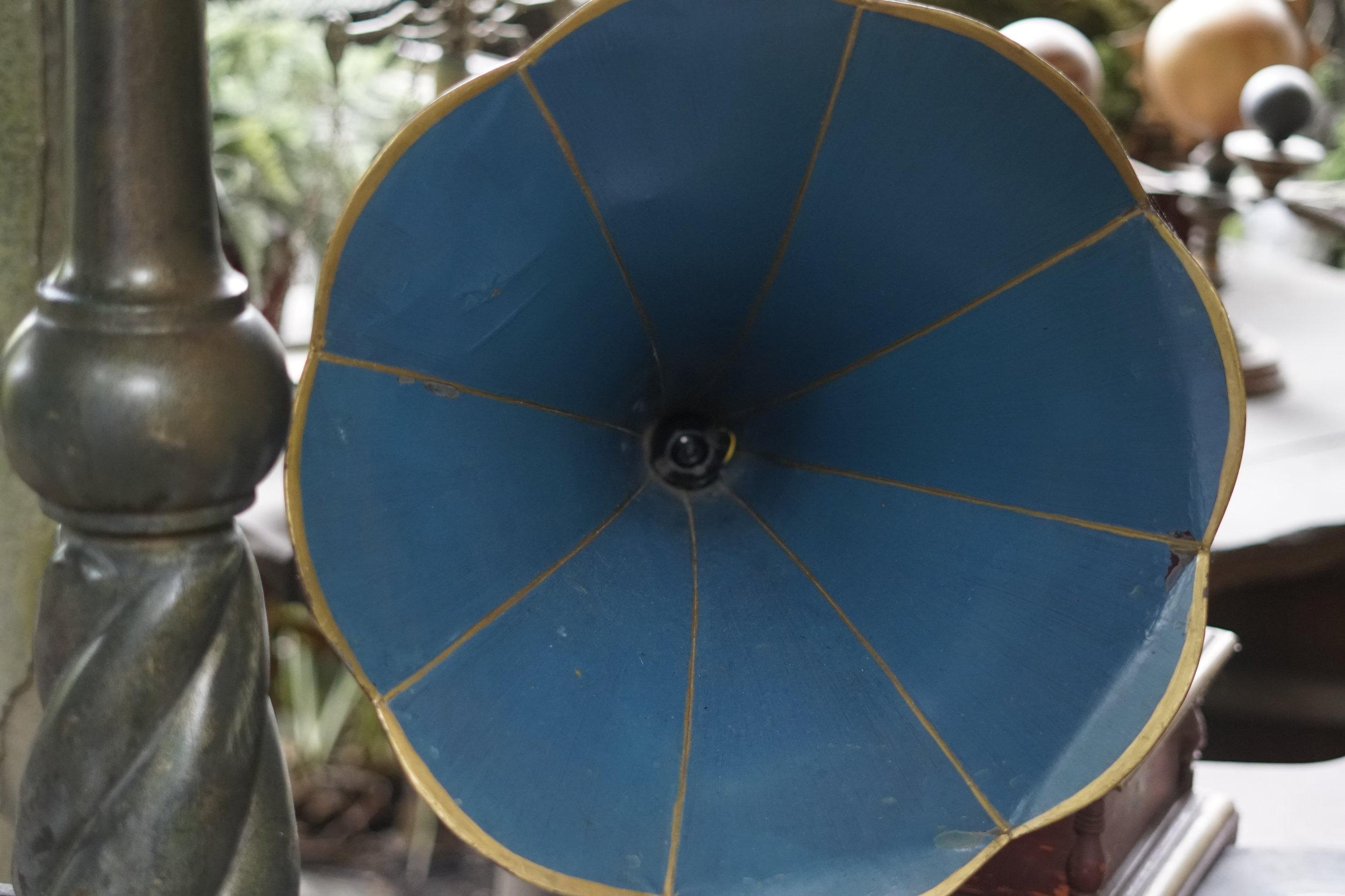 tarzans treehouse gramophone swisskapolka
