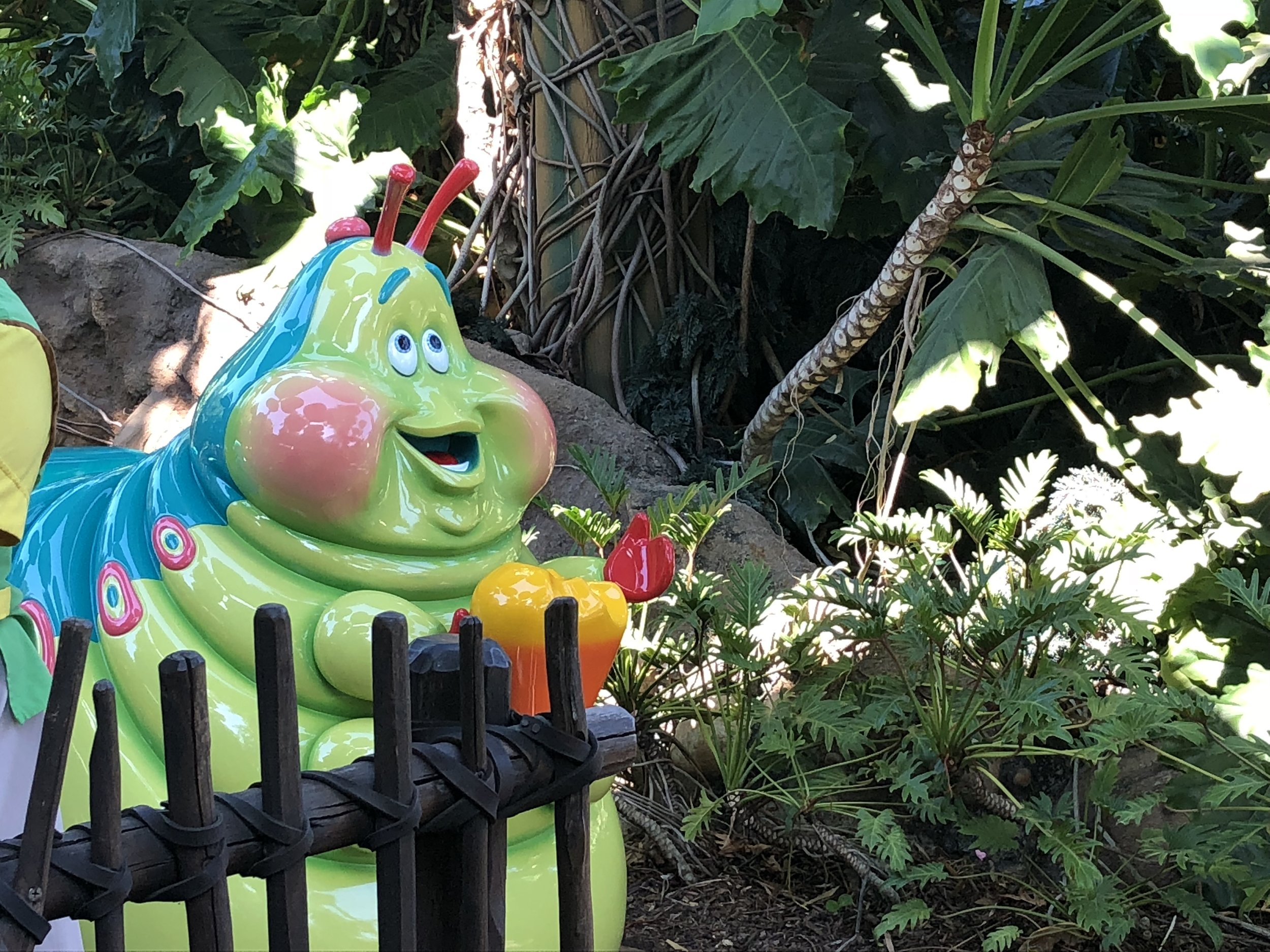 heimlichs chew chew train disneyland dca bugs land pixar