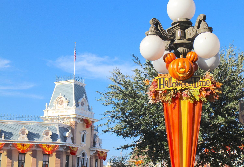 Halloweentime At Disneyland 2019 Lost Weekenders