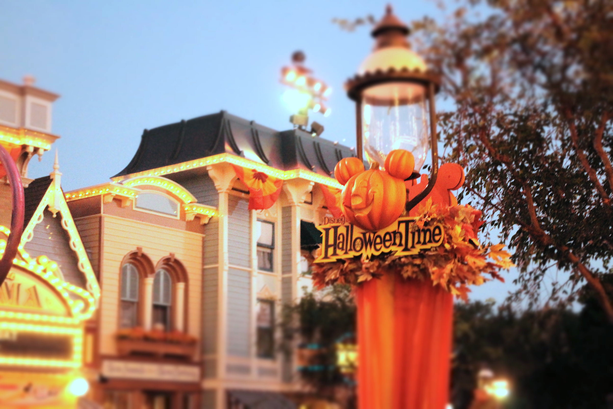 HaloweenTime on Main Street