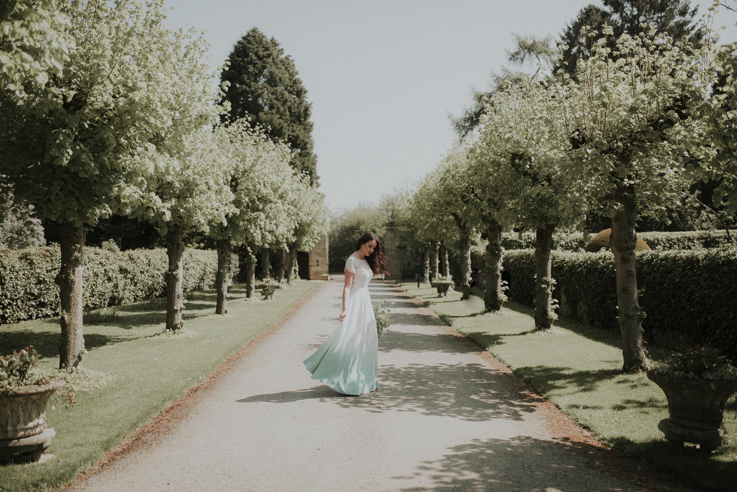 Outdoor wedding photographer Oxfordshire