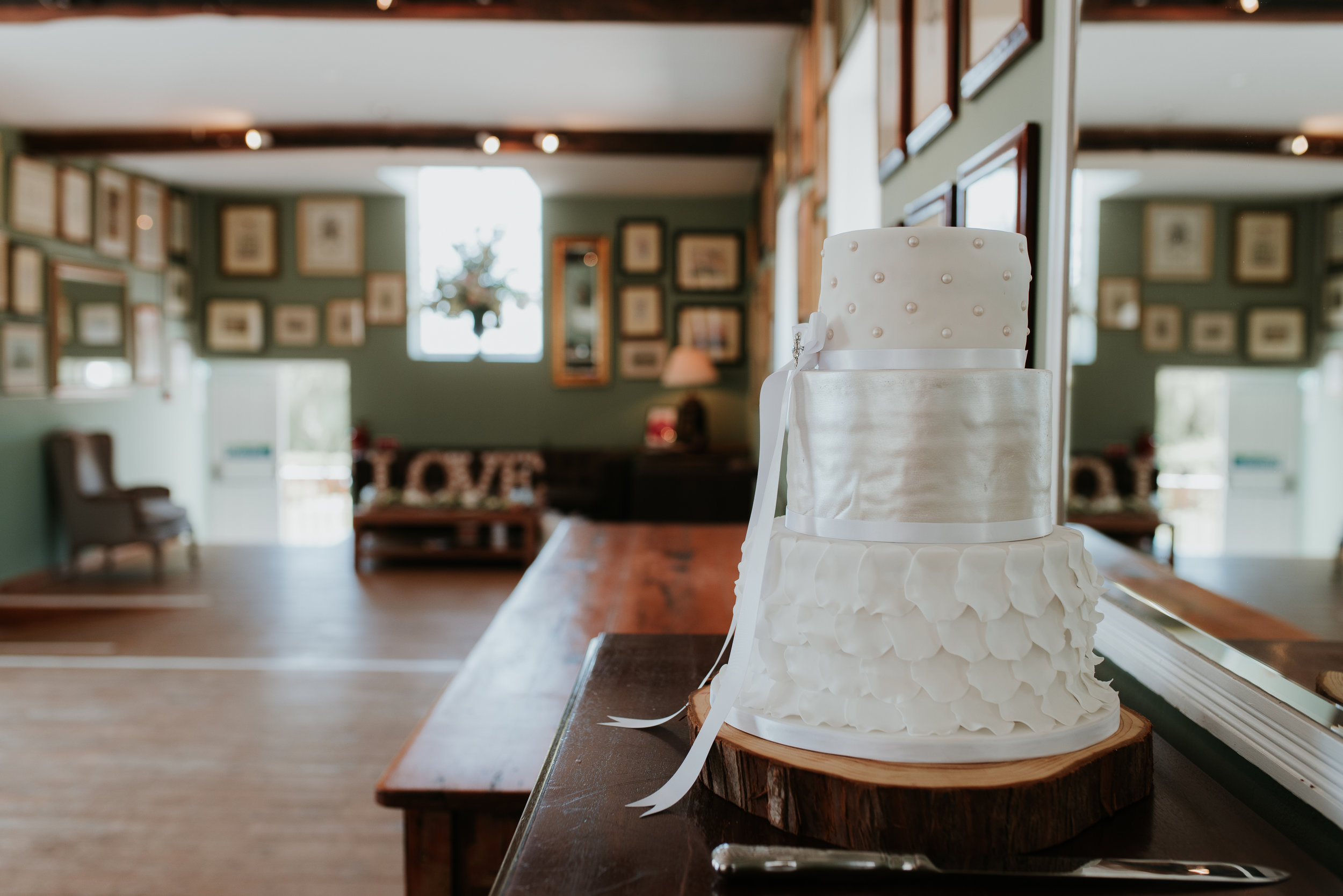 Oxfordshire-wedding-photographer-3.jpg