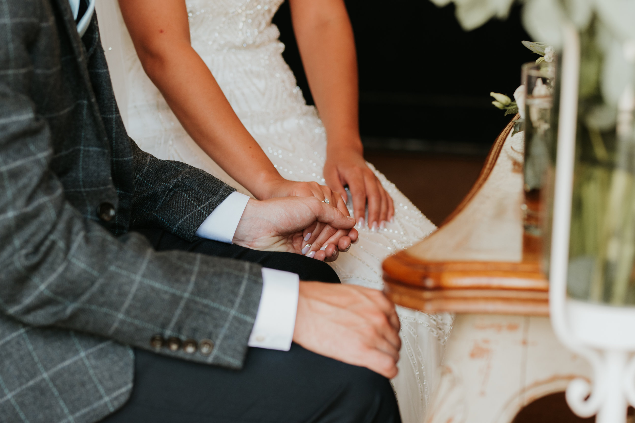 Oxfordshire-wedding-photographer-34.jpg