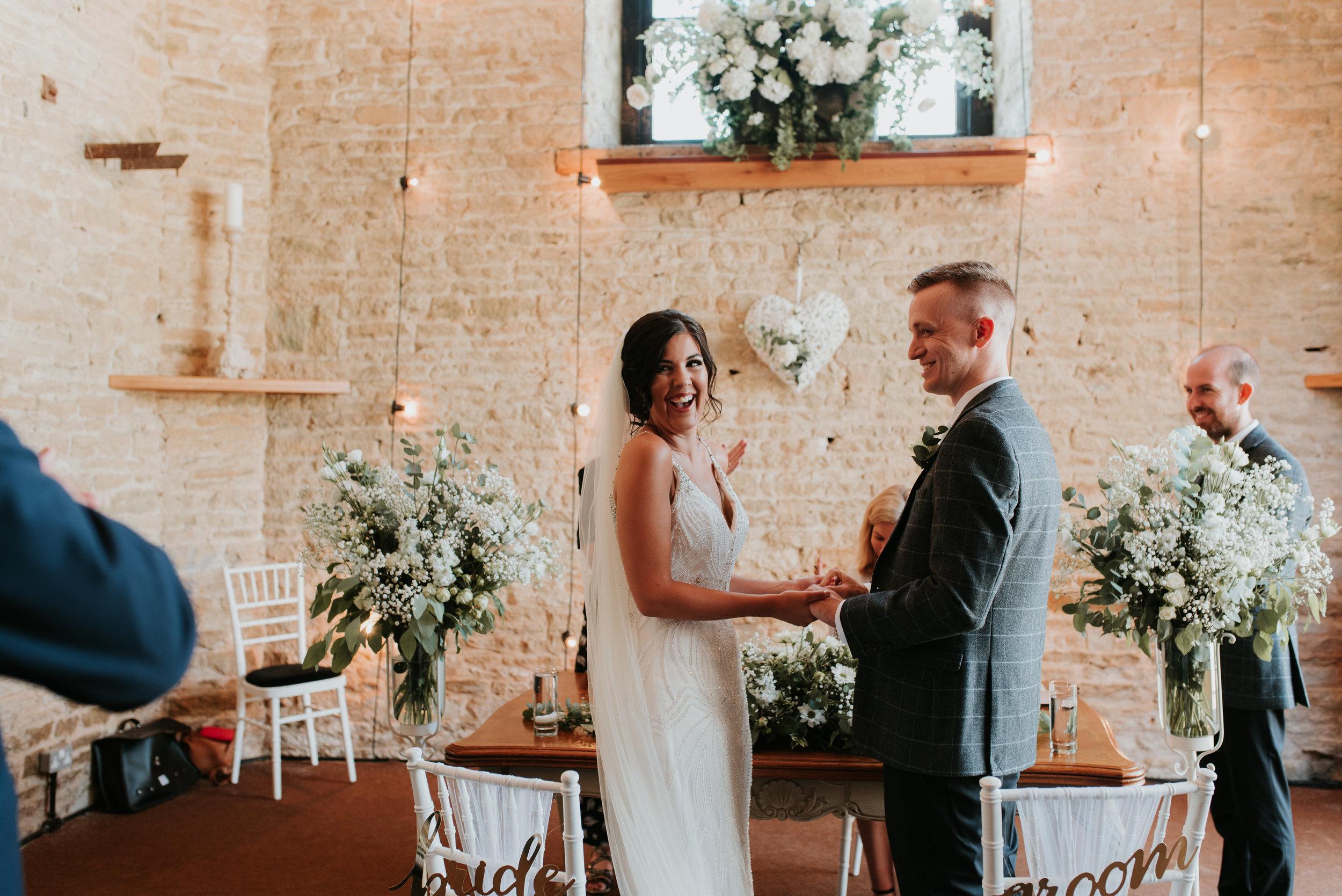 Oxfordshire-wedding-photographer-39.jpg