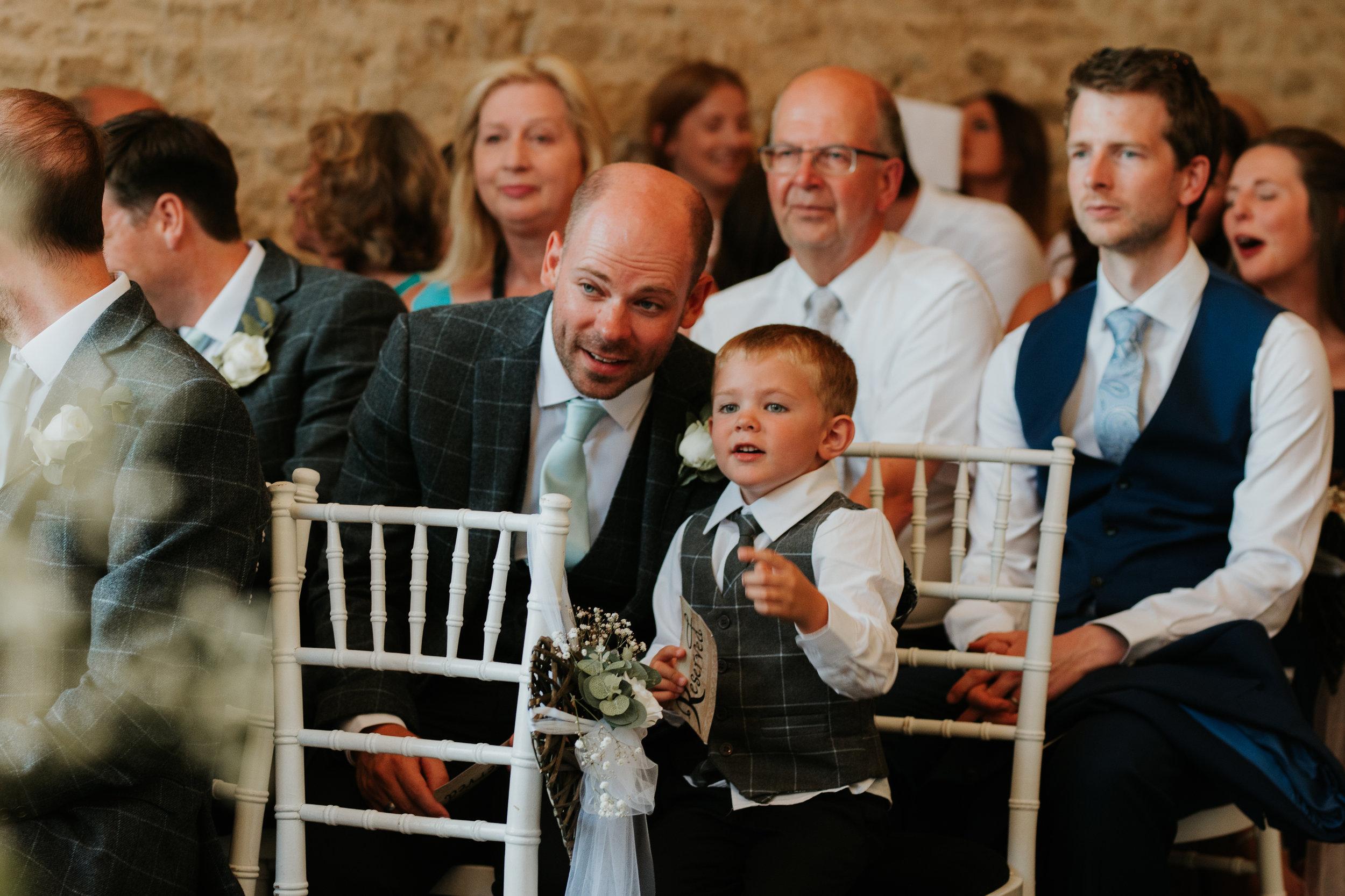 Oxfordshire-wedding-photographer-40.jpg
