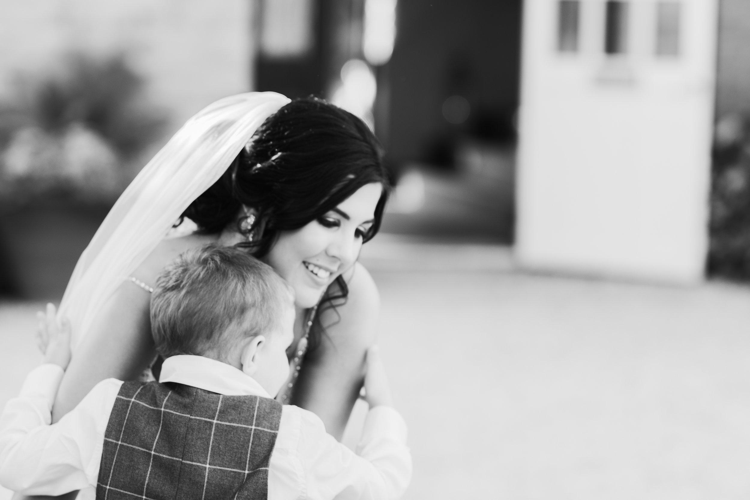 Oxfordshire-wedding-photographer-77.jpg