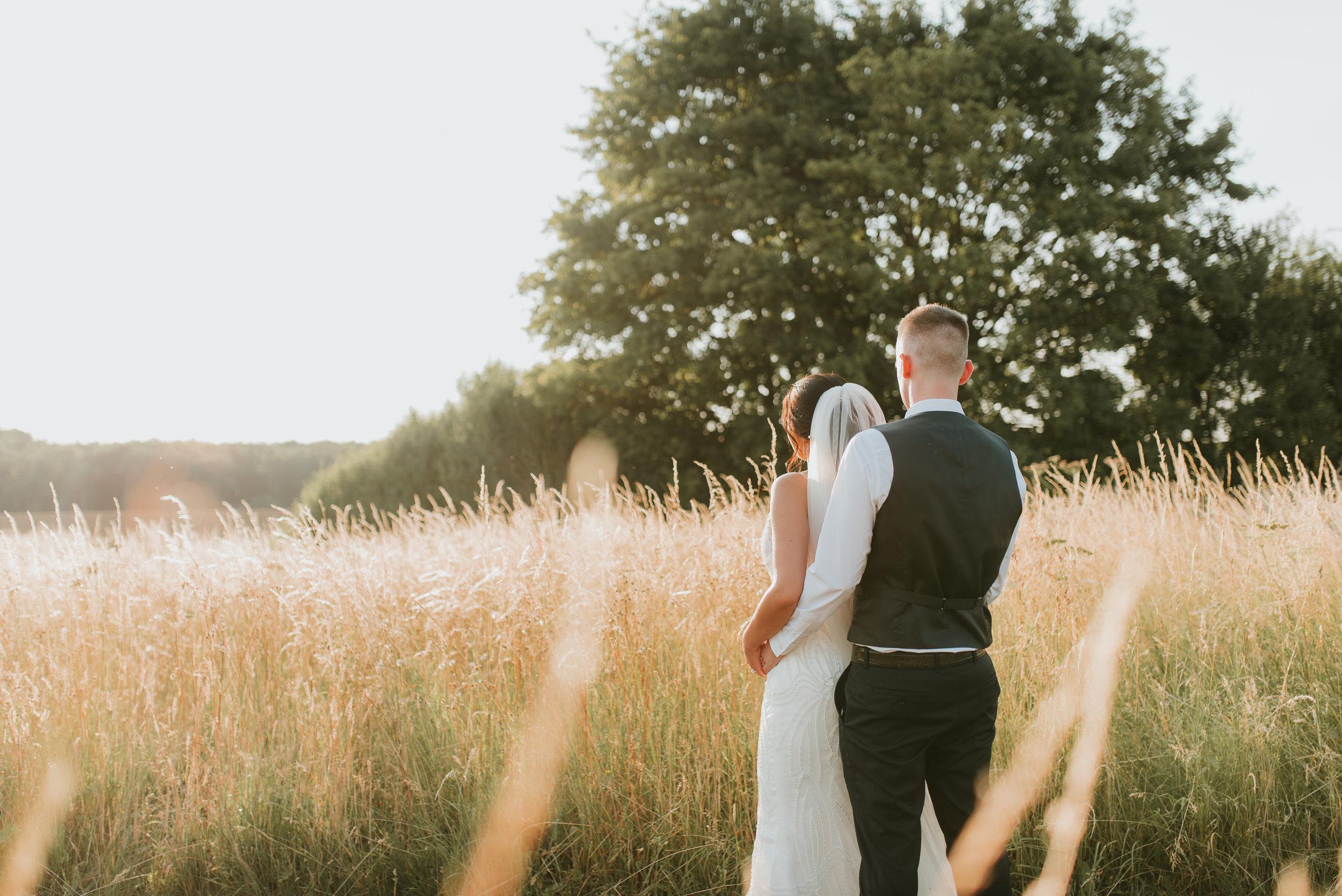 Oxfordshire-wedding-photographer-82.jpg