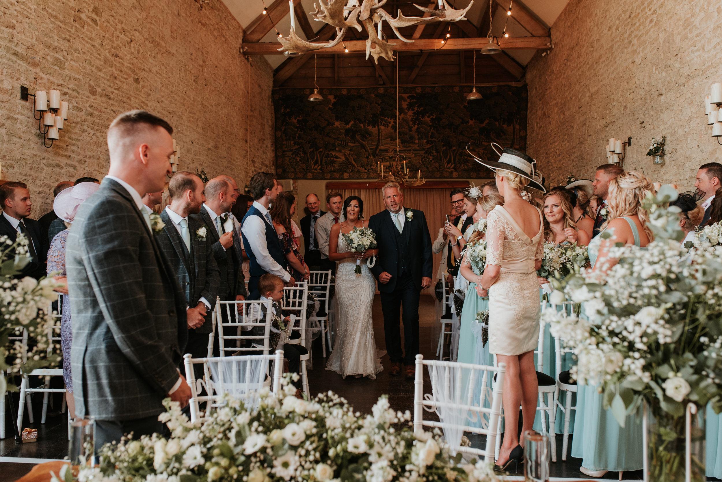 Barn wedding Oxfordshire
