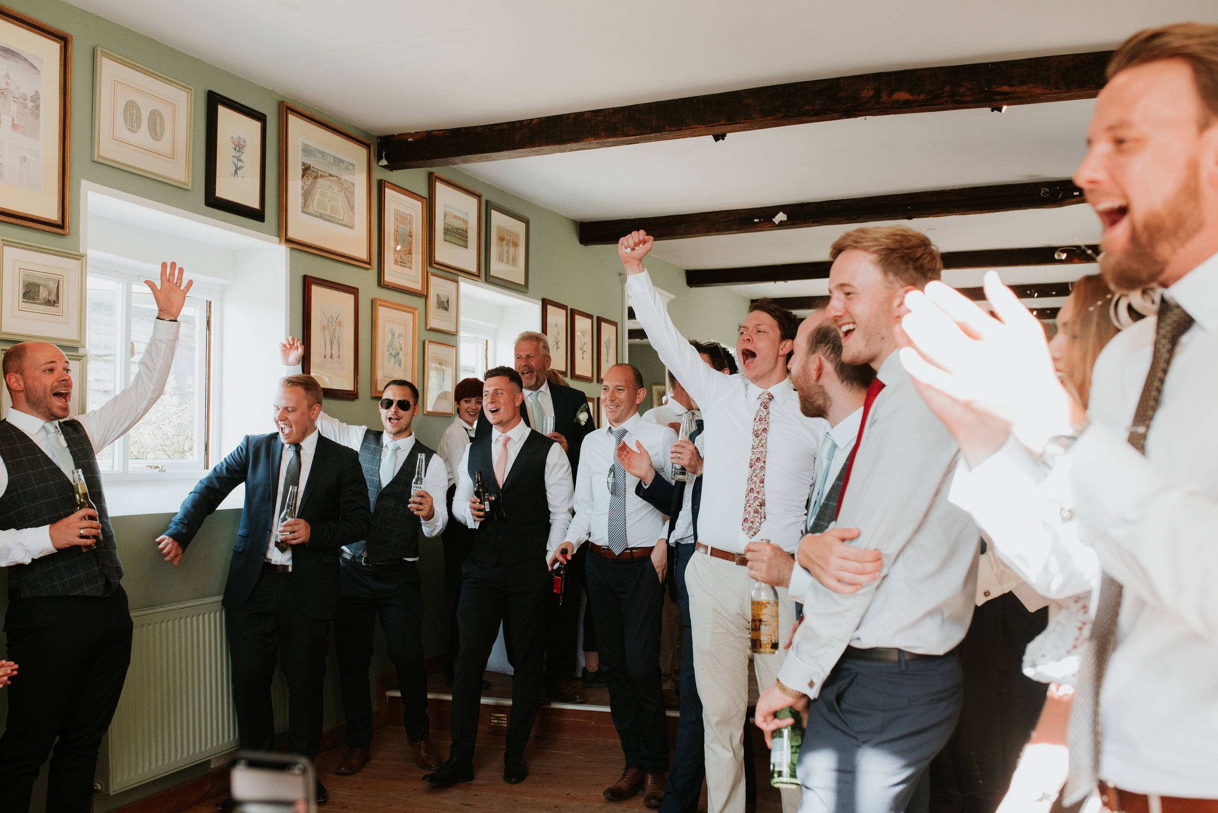 relaxed wedding photography Oxfordshire