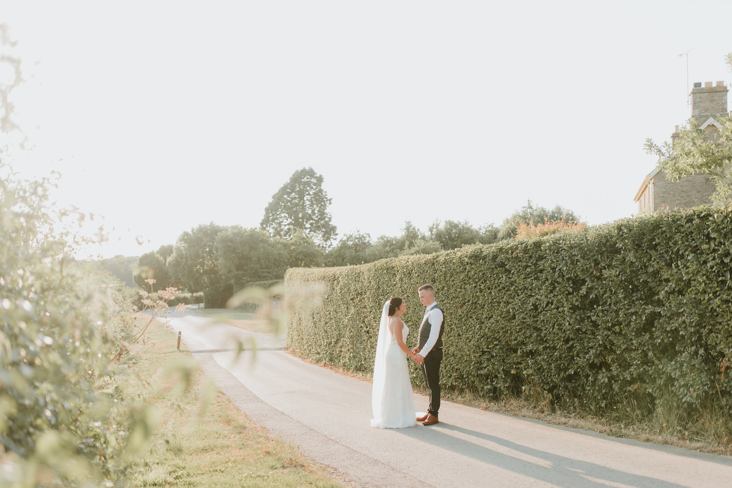 natural wedding photographer Oxfordshire
