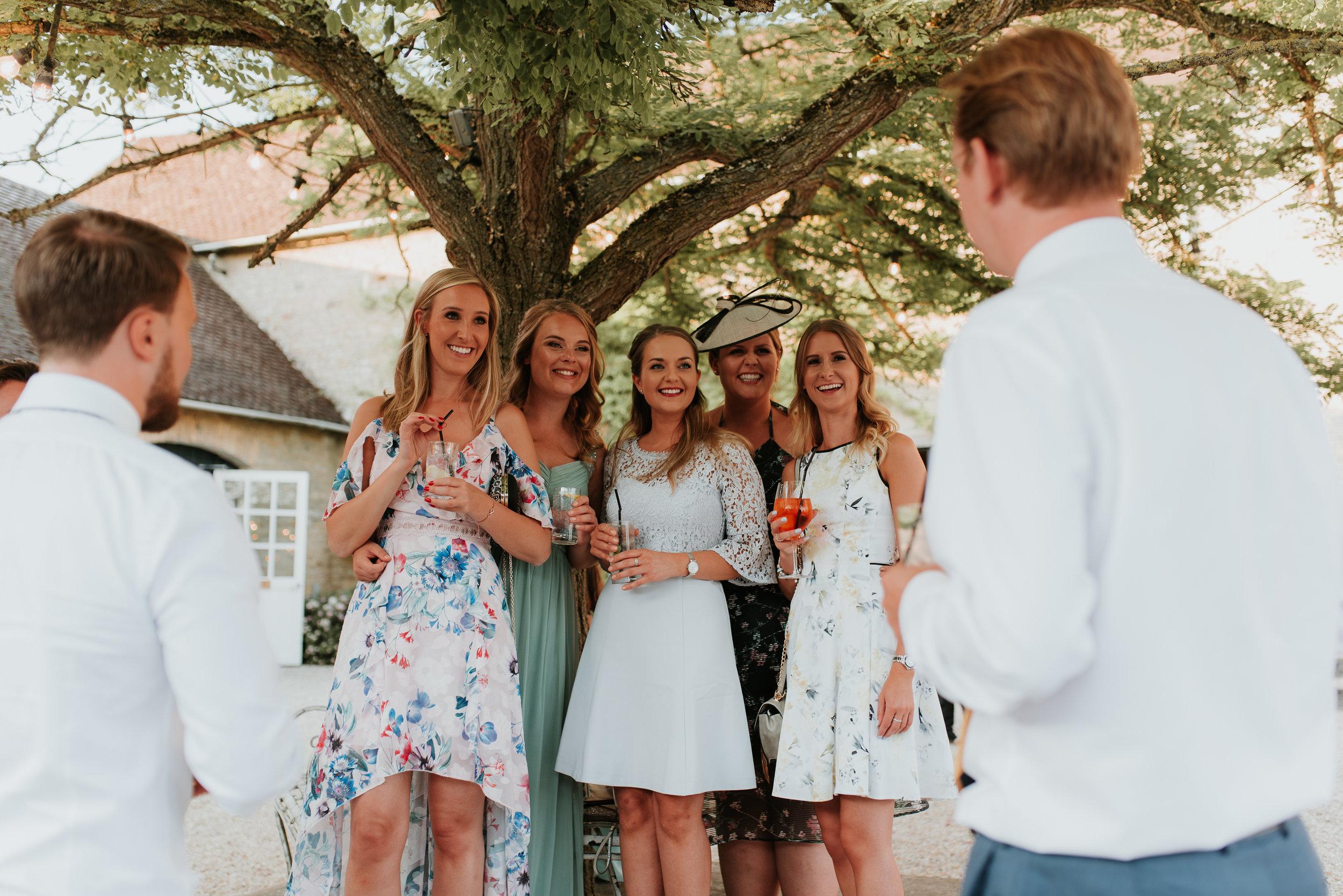 wedding guest photos