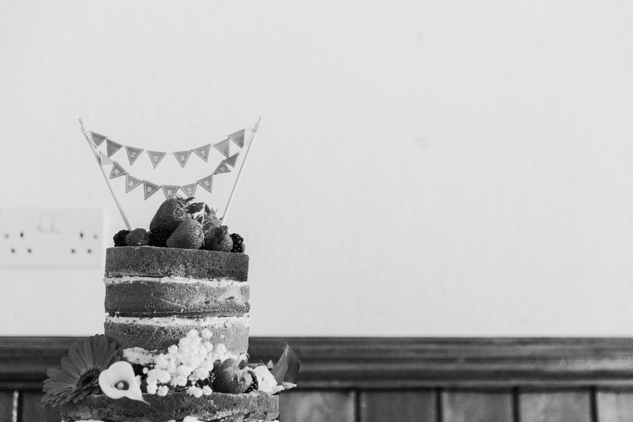 wedding cake Reading