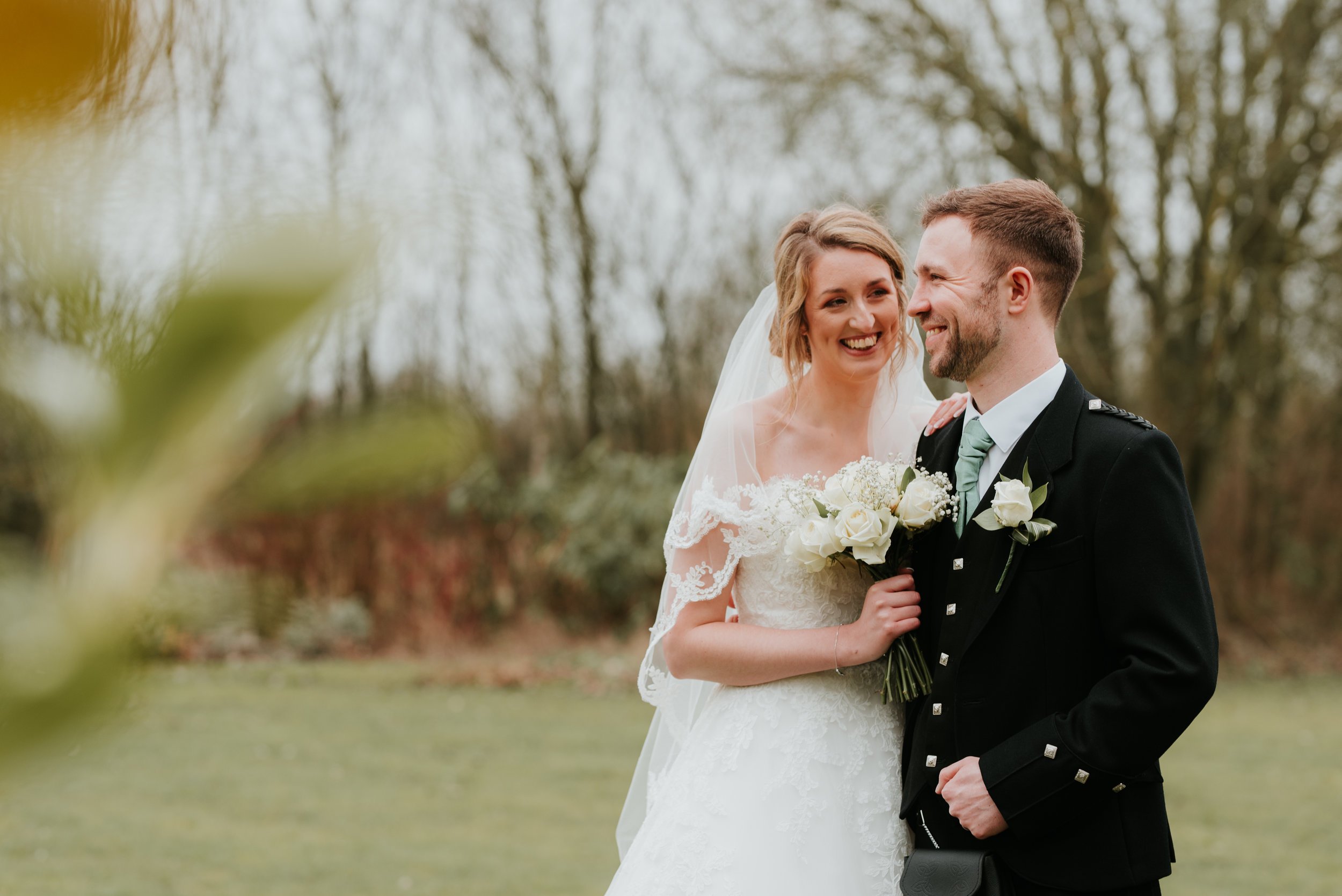 Outdoor wedding photography Berkshire