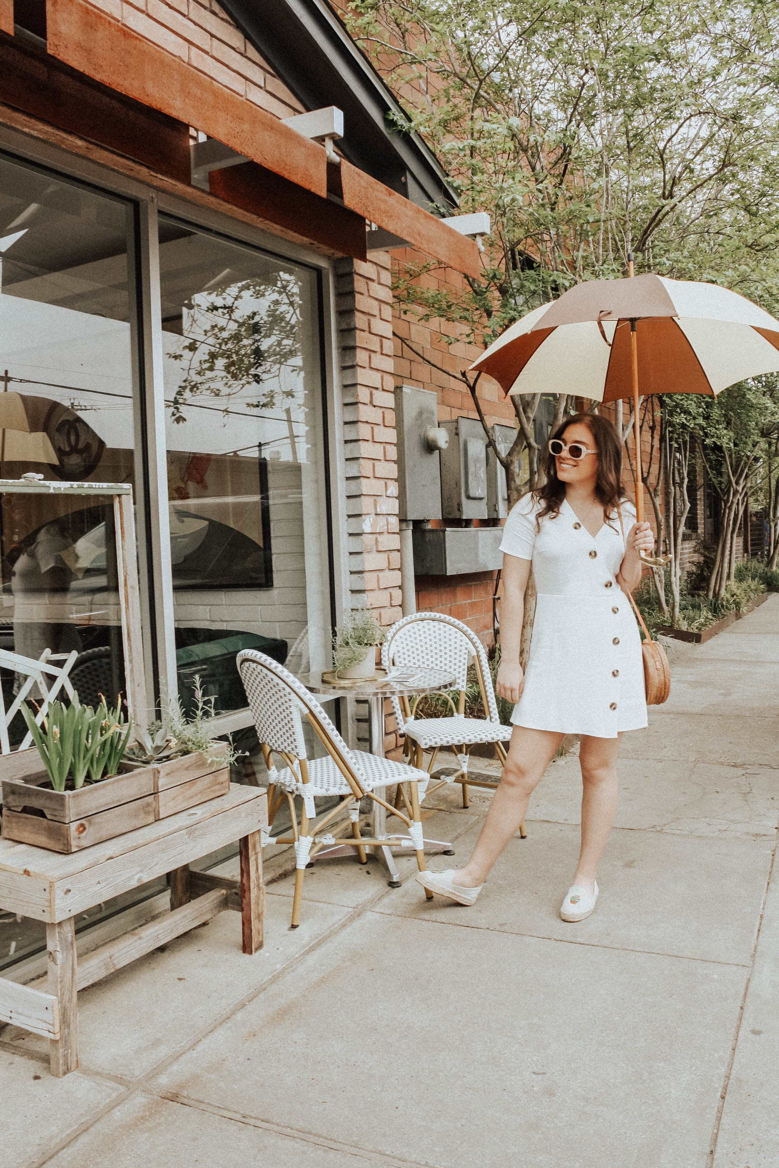 Sunglasses: Quay; Dress: Moon River; Purse: Cleobella; Shoes: Soludos