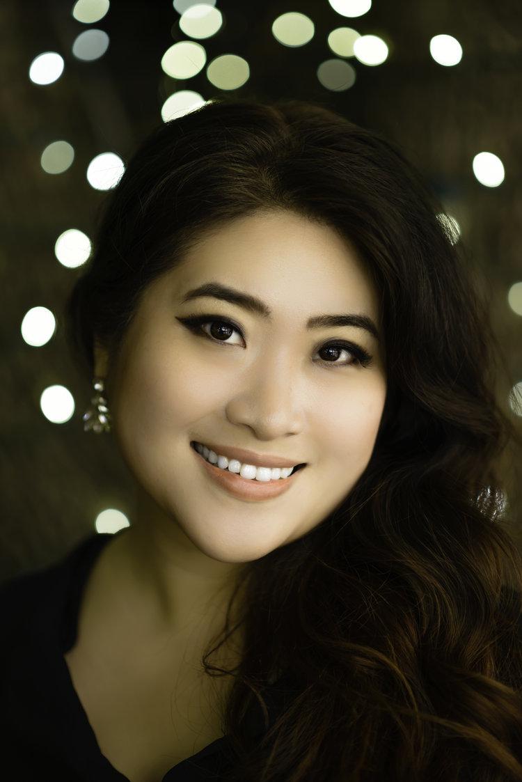 Youna Hartgraves, soprano