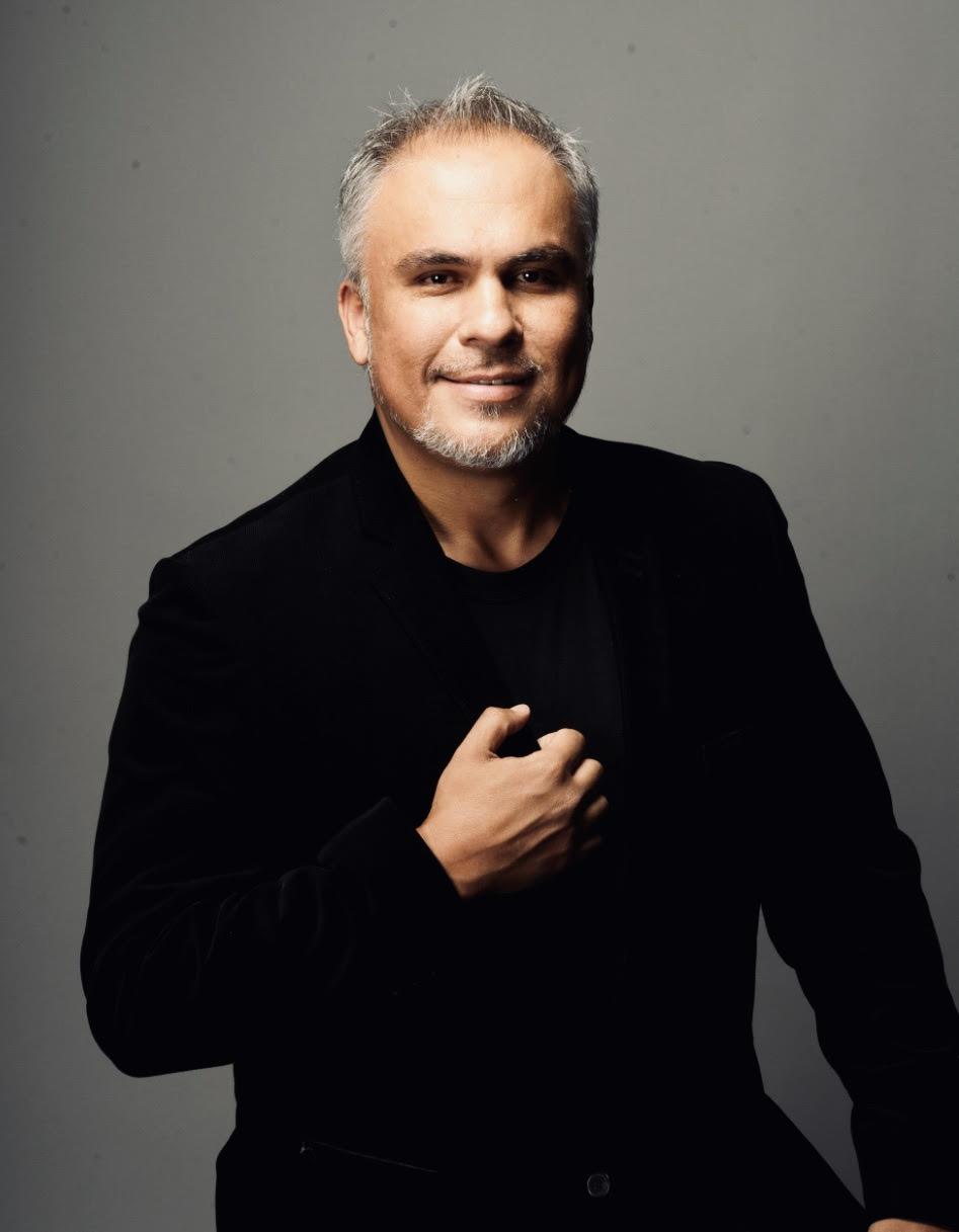 *José Sacín, baritone