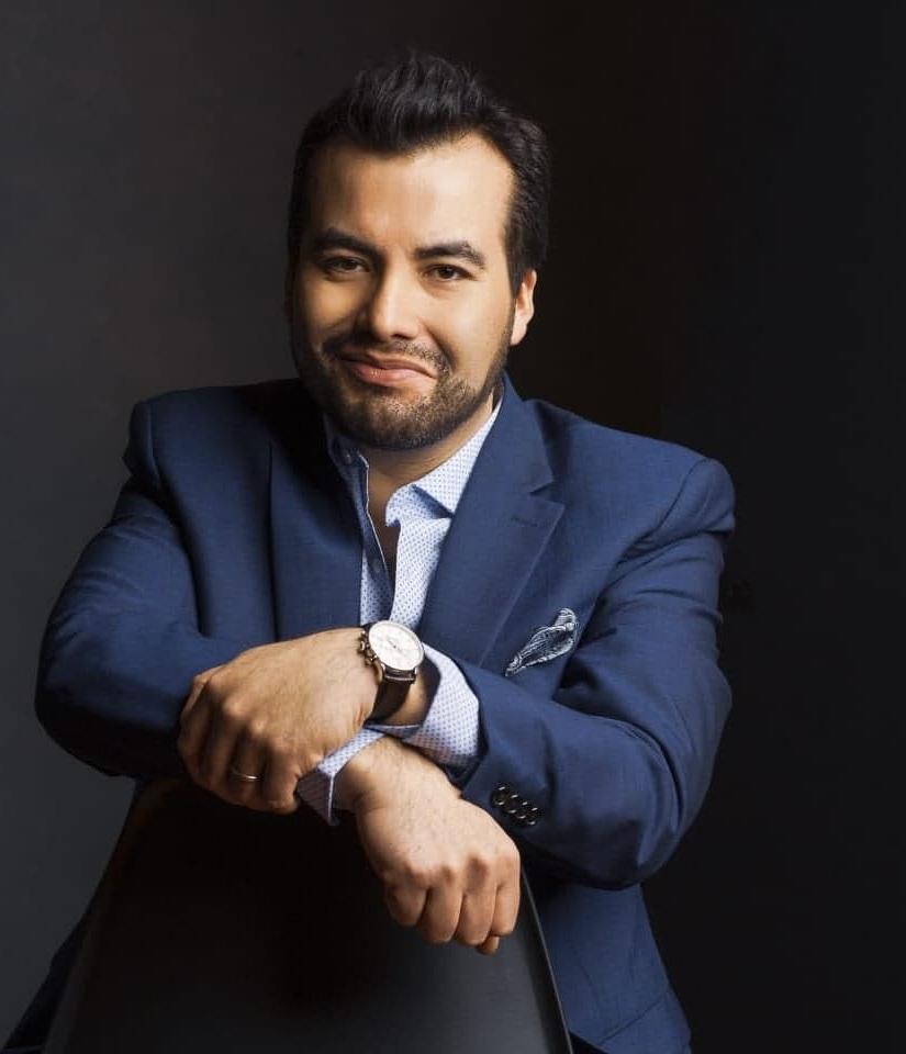 *Javier Arrey, baritone