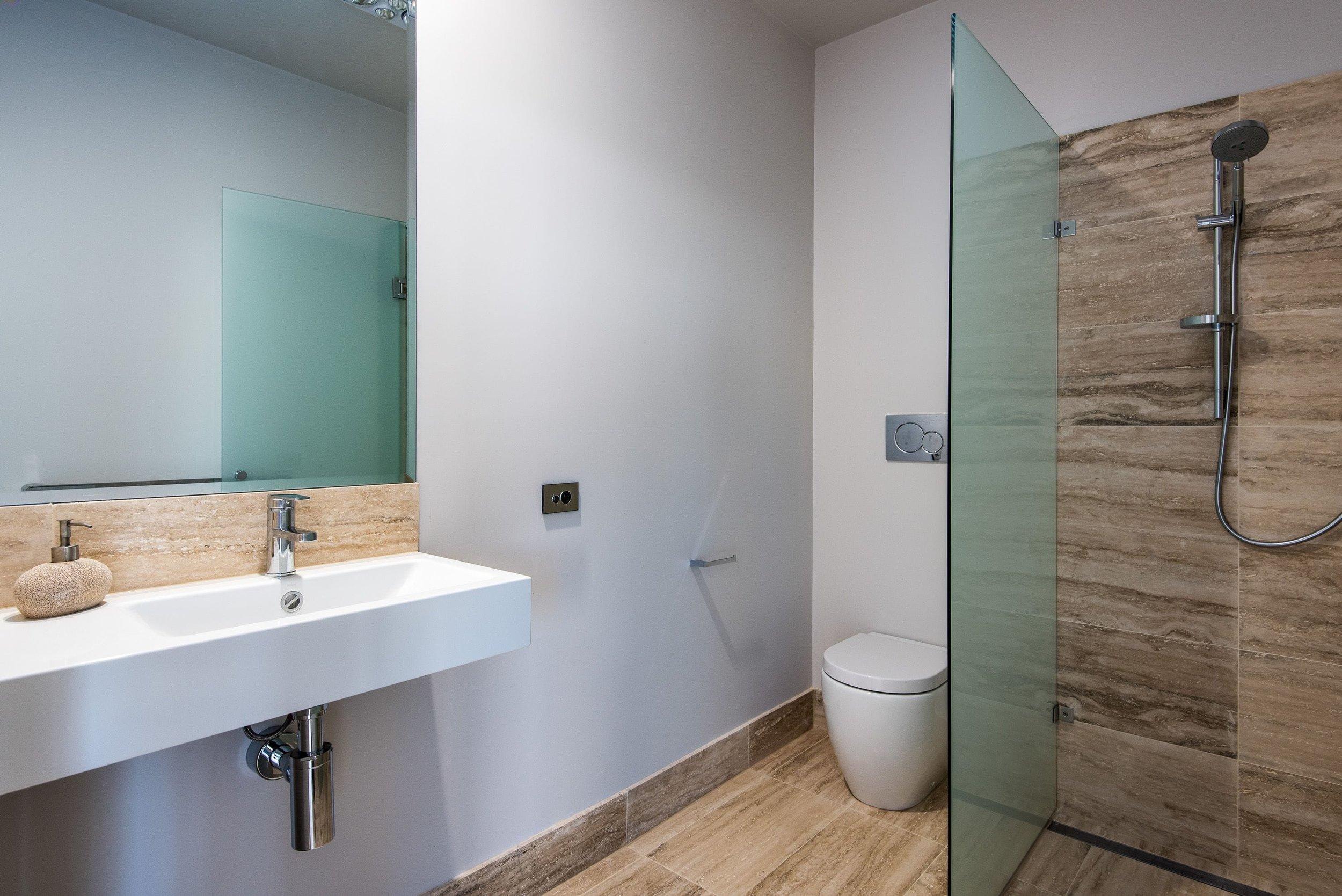 bath1-min.jpg