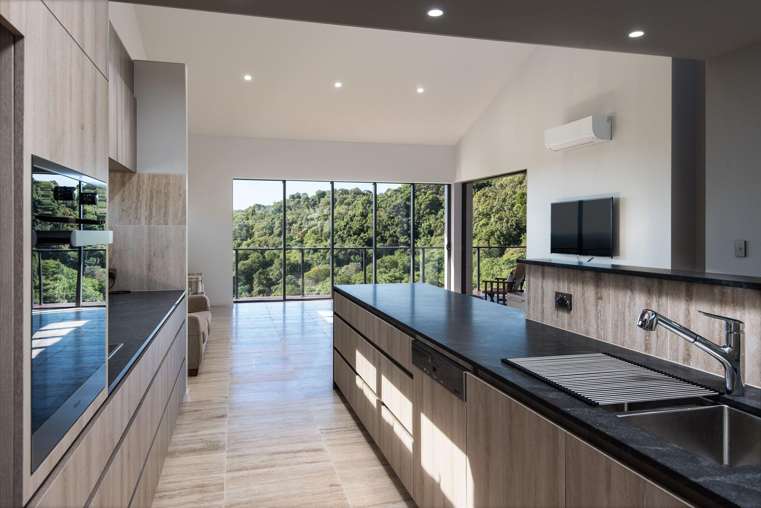 Interior3-kitchen (1)-min.jpg
