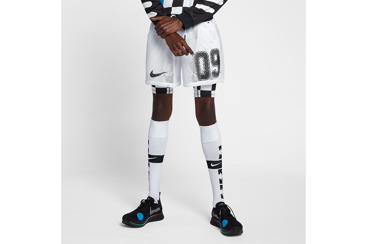 NikexOffWhite_0005_off-white-nike-soccer-shorts-white-AQ3612-100-3.jpg