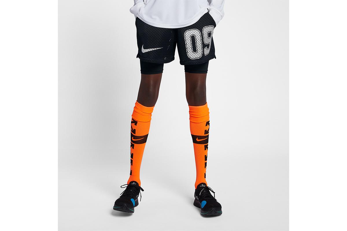 NikexOffWhite_0006_off-white-nike-soccer-shorts-black-AH0376-010-1.jpg