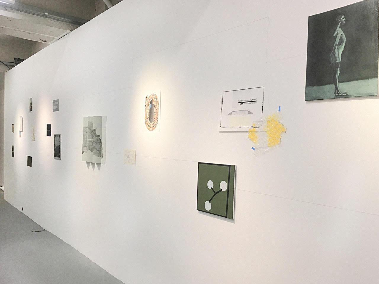 Installation des oeuvres du collectif  La conscience du paysage.be , dans le cadre de l'exposition RESISTANCE à la Centrale of Contemporary Art, Bruxelles, 2018