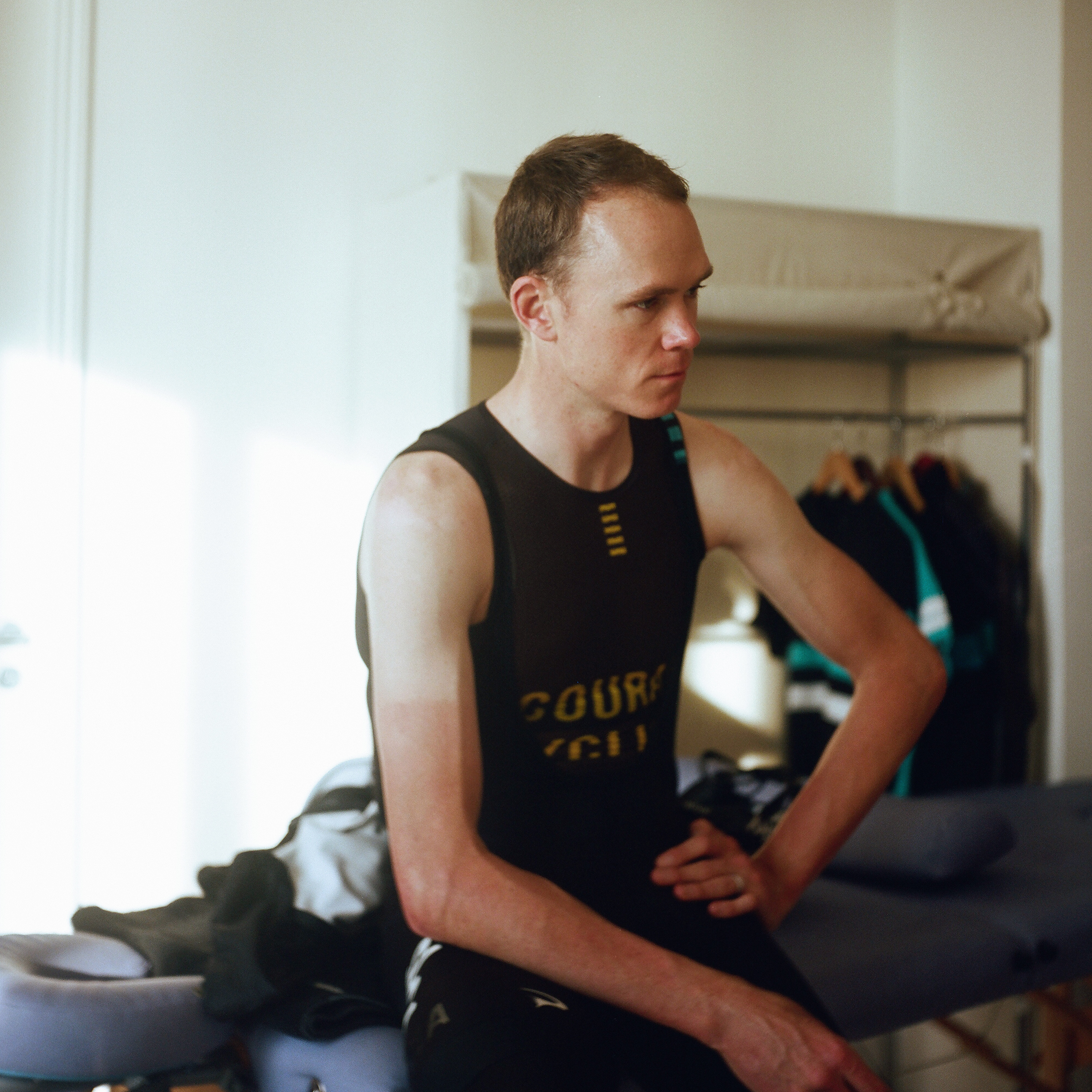 CHRIS FROOME MASSAGE TABLE.jpg