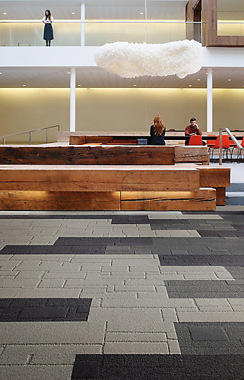 Interface-EM552-Teppichfliesen-selbstliegend-Verlegungen-Office-auch-DIY-1.JPEG