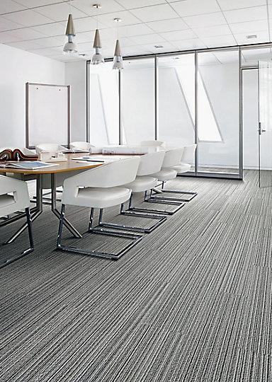 Interface-Silver-Linings-SL930-Teppichfliesen-selbstliegend-Verlegungen-Office-auch-DIY-1.JPEG