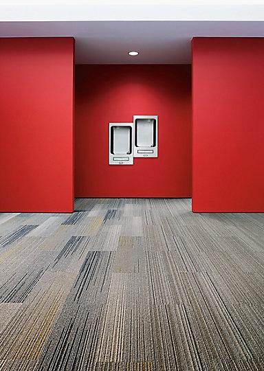 Interface-Silver-Linings-SL930-Teppichfliesen-selbstliegend-Verlegungen-Office-auch-DIY-4.JPEG