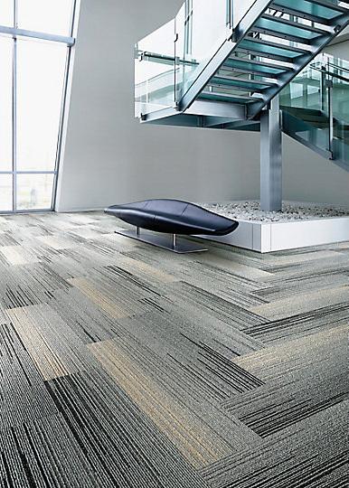 Interface-Silver-Linings-SL930-Teppichfliesen-selbstliegend-Verlegungen-Office-auch-DIY-6.JPEG