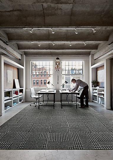 Interface-World-Woven-Teppichfliesen-selbstliegend-verlegen-Office-DIY-17.JPEG