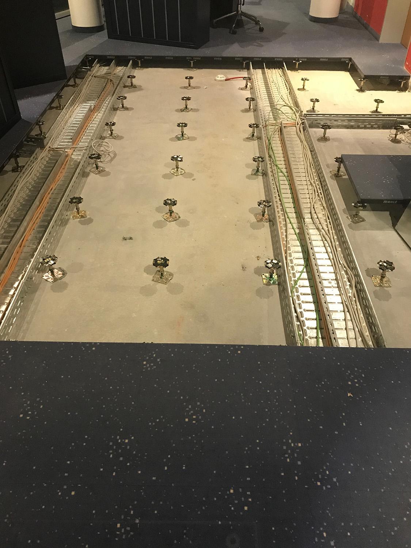Vorwerk-Varia-Bedruckt-DoppelbodenSanierung-DOBO-schälen-Teppichfliesen-verlegen-SL-Fliesen.jpg