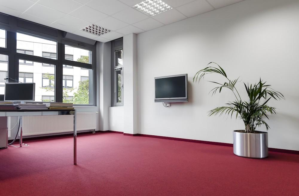 DOBOTEC-SL-Fliesen-Teppich-Doppelboden-Objectflor-Planken-Designboden-rot-Eiche-Bodentechnik-mit-Bodenbelaegen-und-Teppichboden.jpg