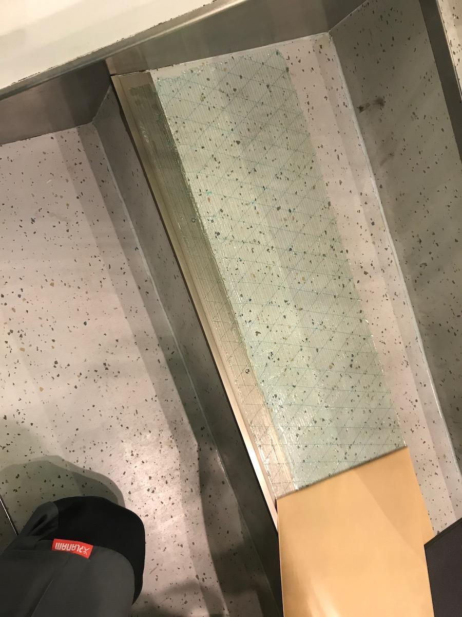 Bodenlag-Designfliesen-Doppelbodenrenovierung-Doppelboden-DOBOTEC-Objectflor-Simplay-selbstliegend-Hewlett-Packard00015.jpg