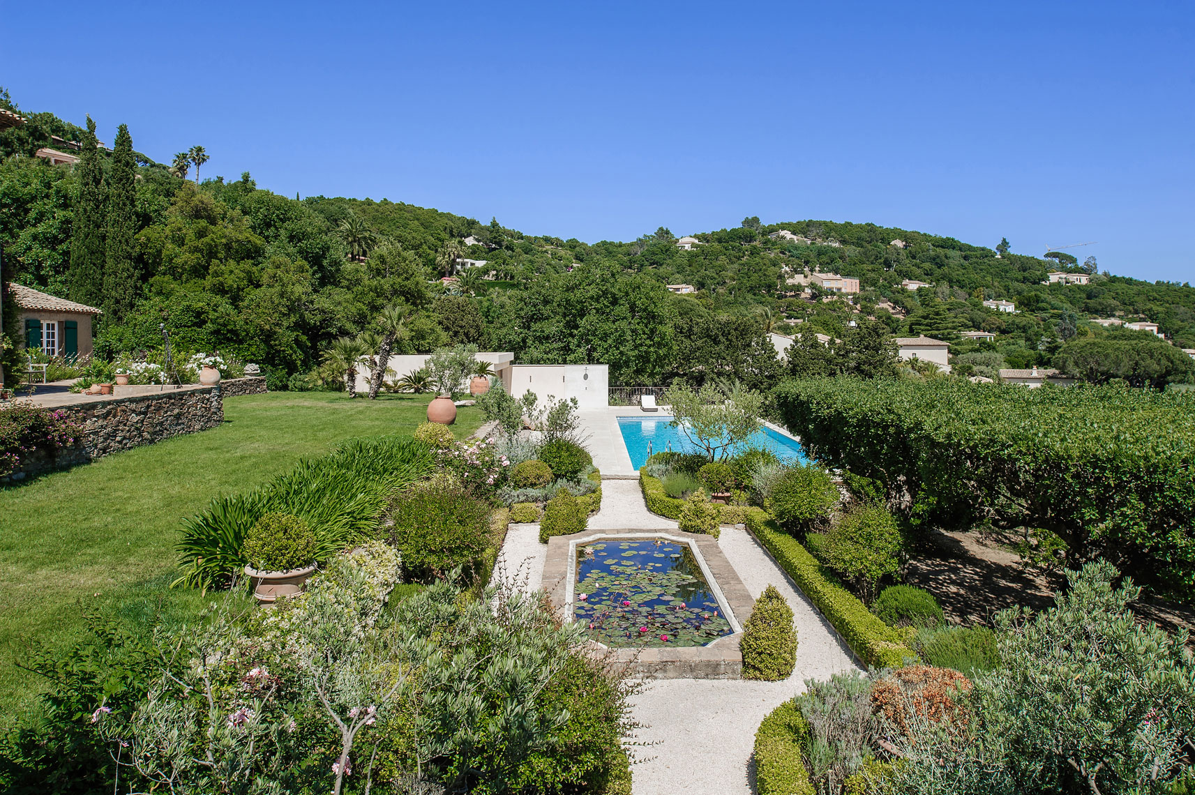 Villa-Turquoise---Victor-Perez-Architectural-Photographer-03.jpg