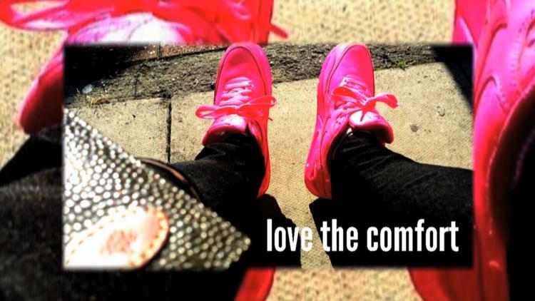 SELFIE - 'LOVE THE COMFORT'