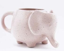 Elephant mug with tea bag holder