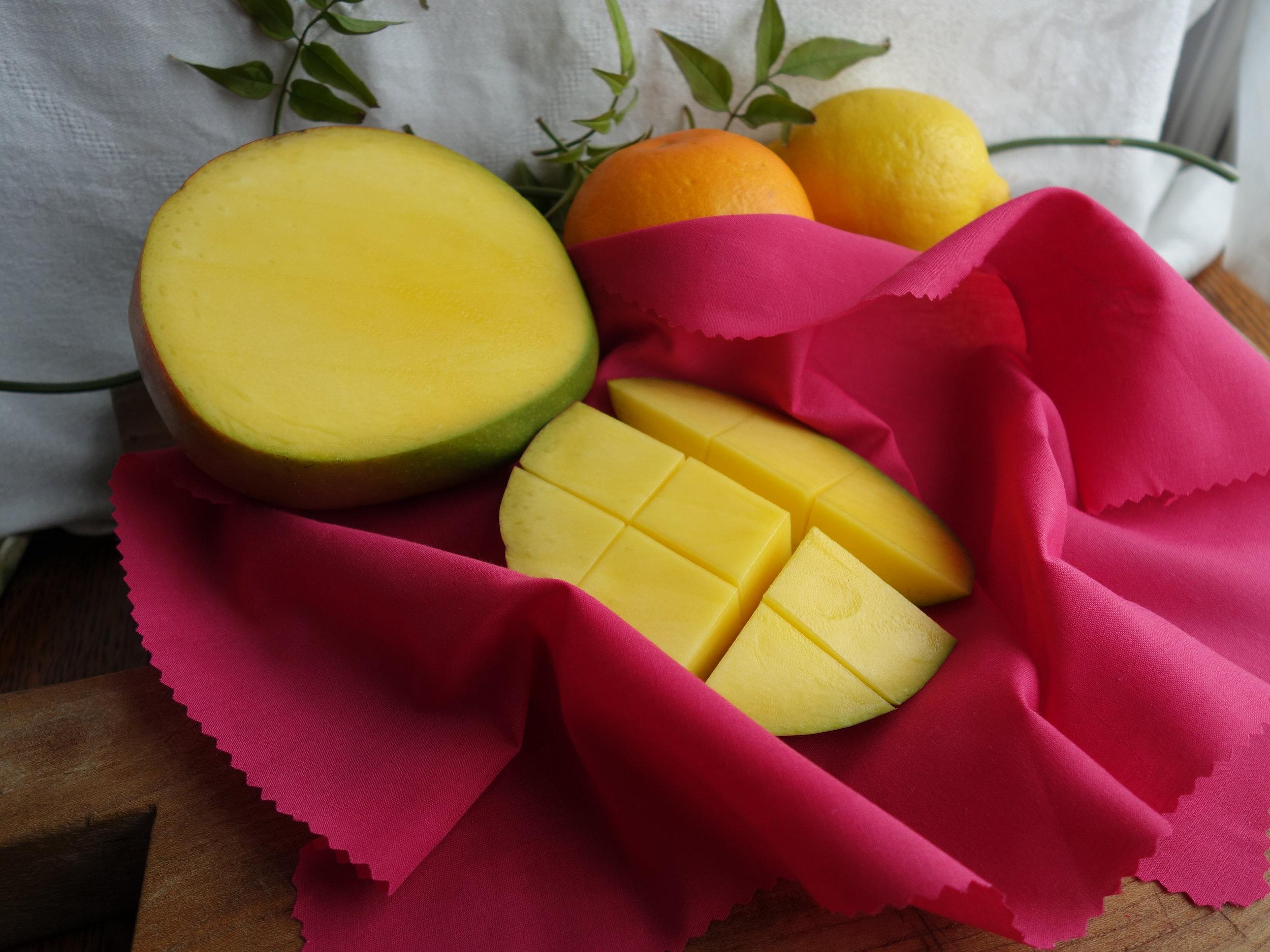 Sliced fresh mango