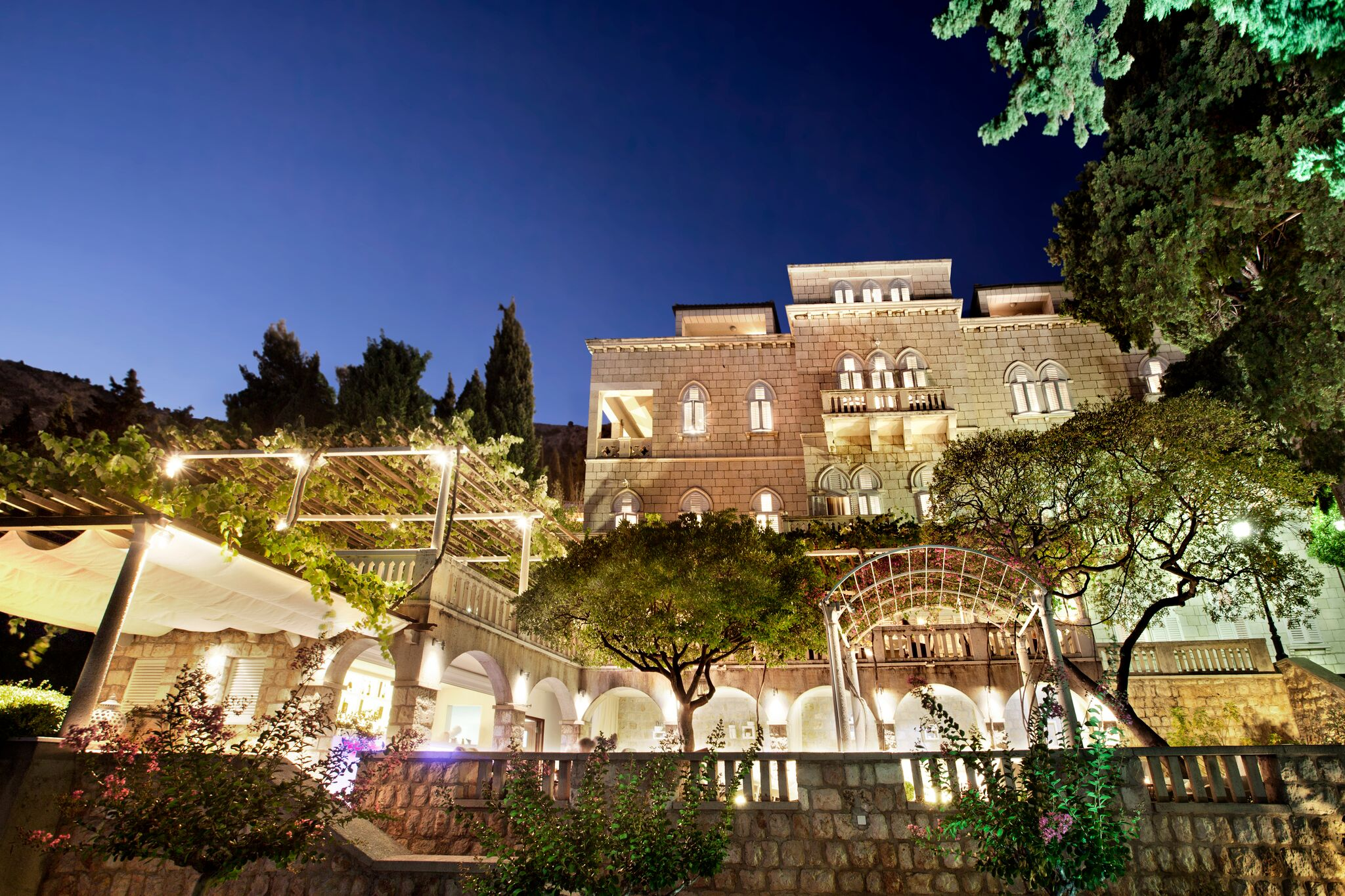 Villa Orsula Dubrovnik - exterior night_preview-1.jpg